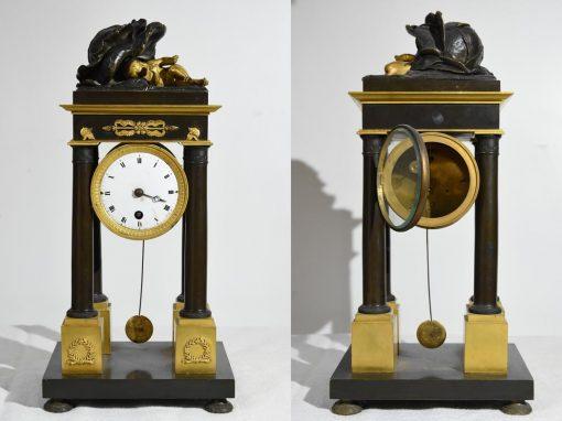 Pendulum clock: Child's Resting