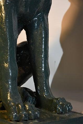 pattes de chiens en fonte de fer