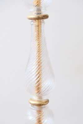 tige du lampadaire en cristal tallé